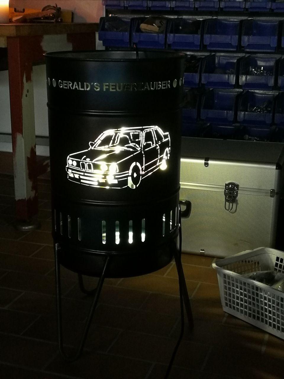 Stahlbude Feuerkorb Auto BMW