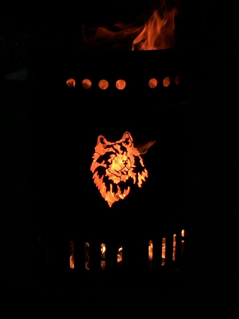 individuell gestalteter Feuerkorb 50 Liter Hund Tiermotiv